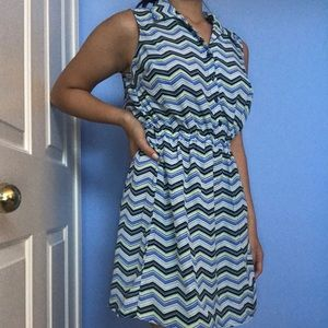 Zigzag bright patterned collared dress